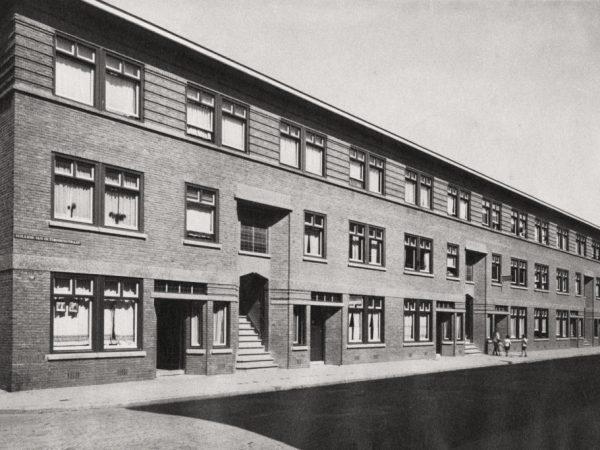 Willem Van Outhoornstraat 52-84 Rond 1930 - Bron: Beeldbank Haags Gemeentarchief
